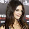 Katie Holmes will perform in the play Dead Accounts.